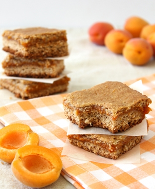 Apricot Bars | brighteyedbaker.com