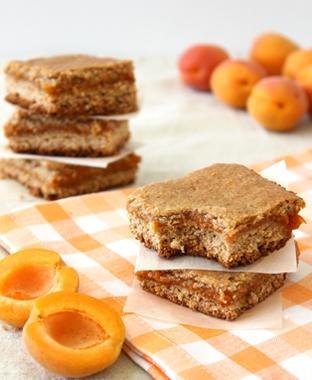 Apricot Bars | brighteyedbaker.com