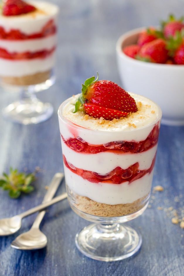 Preferred Lightened-Up Strawberries and Cream Parfaits GY11