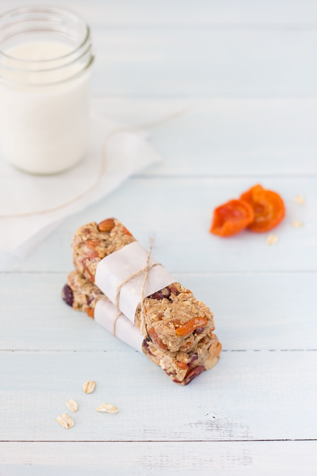 Cranberry-Apricot Almond Butter Granola Bars - Healthy and filling fruit and nuts bars with an almond-y twist. | brighteyedbaker.com