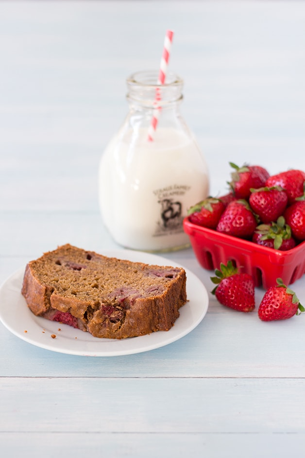 Roasted Strawberry Banana Bread - a light, moist, and fruity take on banana bread from @brighteyedbaker| brighteyedbaker.com #bananabread #recipe