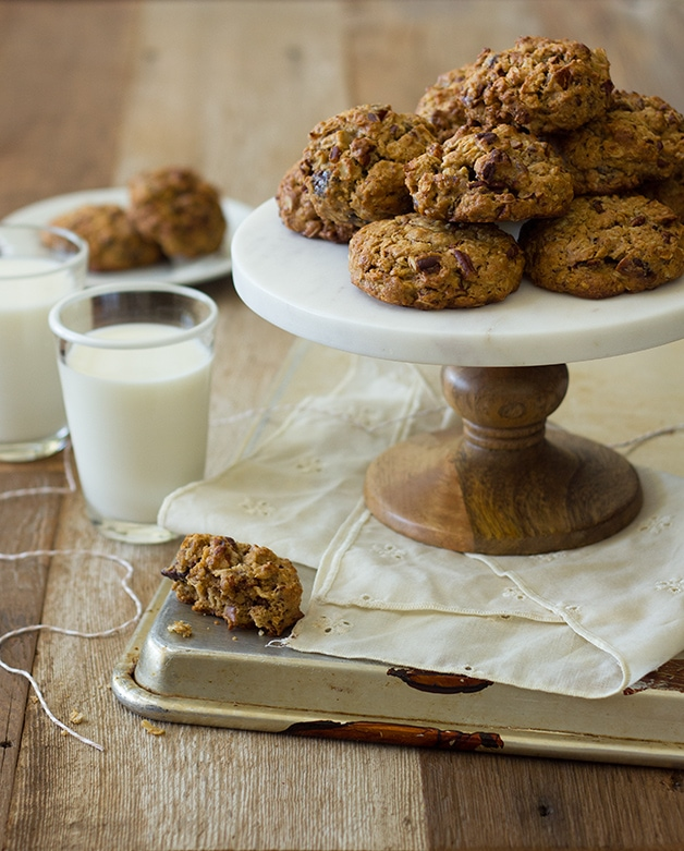 Pecan & Date Oatmeal Cookies - Hearty, flavor-packed, cinnamon-spiced oatmeal cookies that just happen to be 100% whole wheat and butter-free; you'd never know it though!   www.brighteyedbaker.com