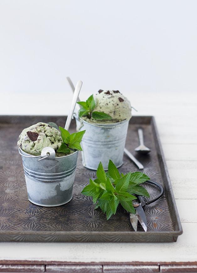 Mint Oreo Ice Cream - a creamy and refreshing frozen treat.   brighteyedbaker.com #IceCreamforOXO @OXO