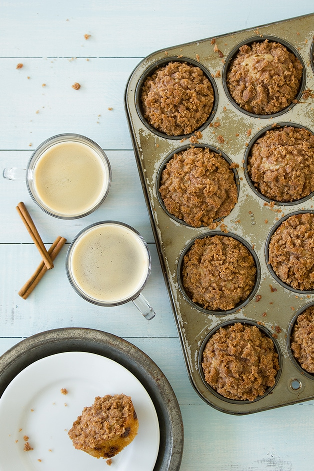 Cinnamon Chip Coffeecake Muffins - cinnamon chip muffins with a crunchy crumble topping.   www.brighteyedbaker.com