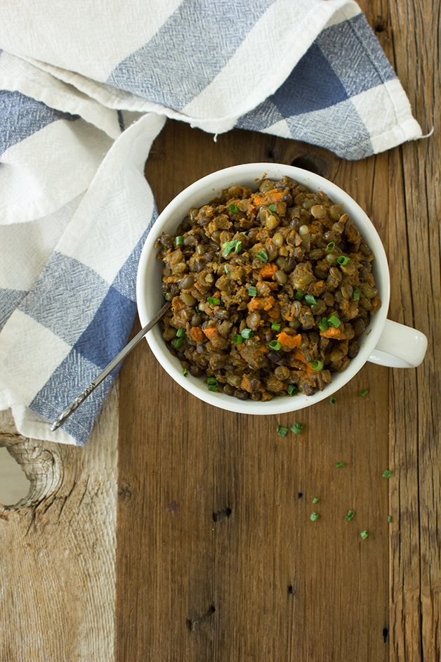 One-Pot Chile & Carrot Lentils - an easy, healthy, warm, and hearty dish packed with flavor. {Vegan}| www.brighteyedbaker.com