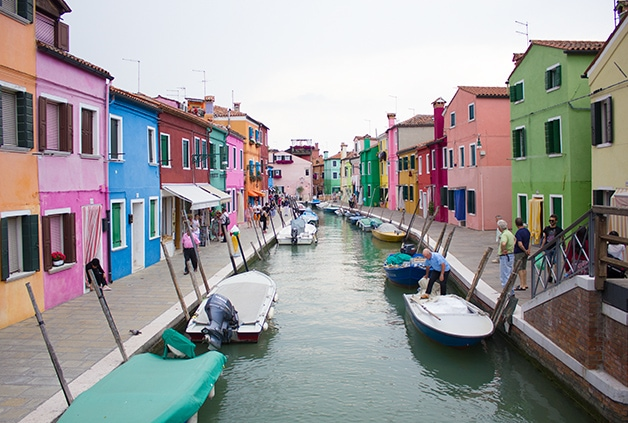 Burano - Food & Travels: Venice - A guide to must-see places and things to eat in Venice, Italy | www.brighteyedbaker.com