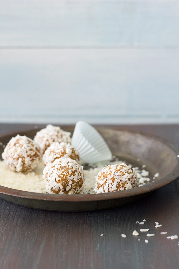 Healthy Apricot & Coconut Date Balls - a recipe for natural-sweetened energy bites to curb those random snacking cravings. {Gluten-Free, Vegan} | www.brighteyedbaker.com