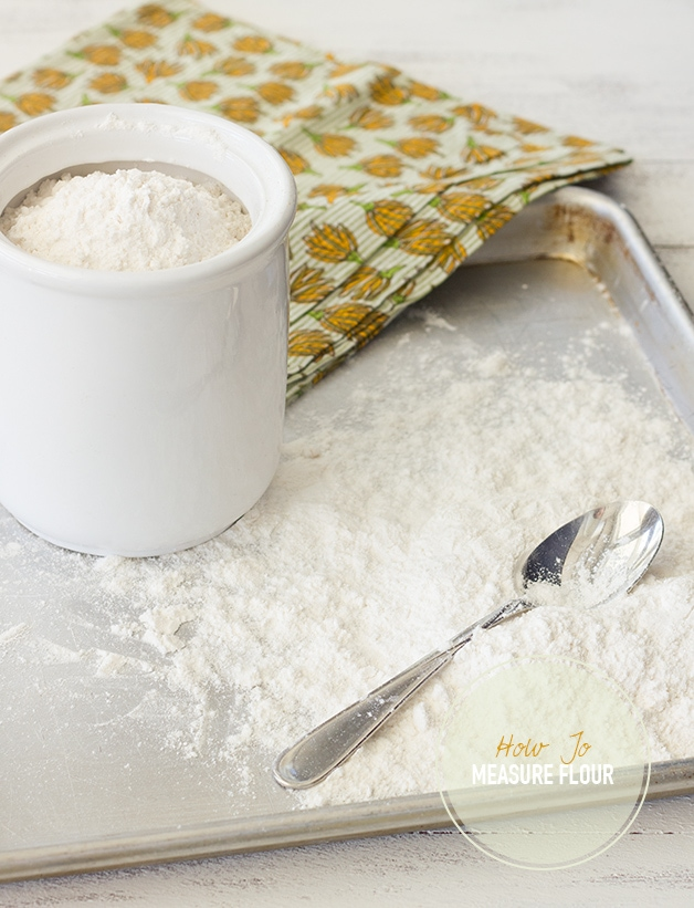 How to Measure Flour + @OXO Kitchen Scale Giveaway! | Measuring flour accurately is important! Learn how to do it by hand, plus enter for your chance to win a scale so you can measure by weight for ease and even greater accuracy! | www.brighteyedbaker.com