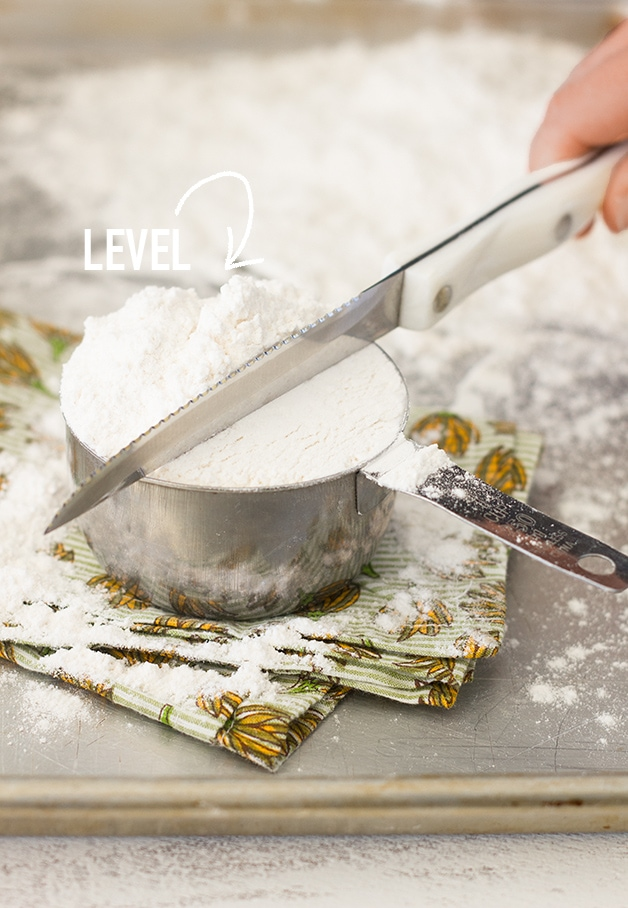 How to Measure Flour + OXO Kitchen Scale Giveaway! | Measuring flour accurately is important! Learn how to do it by hand, plus enter for your chance to win a scale so you can measure by weight for ease and even greater accuracy! | www.brighteyedbaker.com