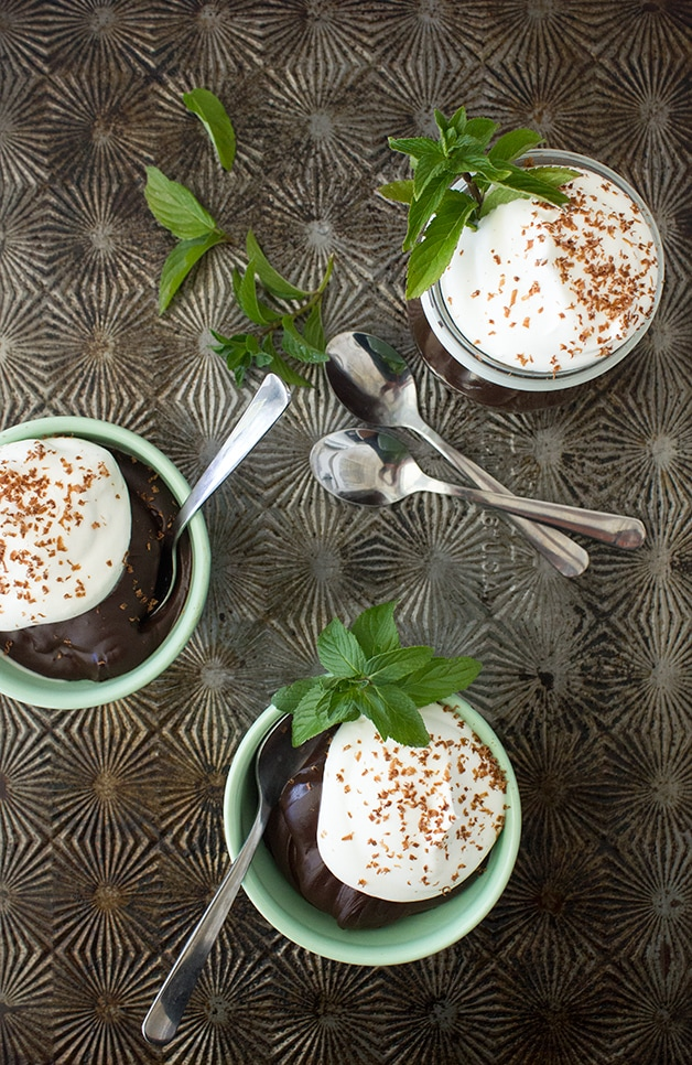 Ultra-Rich Vegan Dark Chocolate-Mint Mousse - extra-thick and silky dark chocolate mousse with a touch of fresh mint flavor - made with healthier ingredients for all the indulgence with less guilt! {gluten-free}| www.brighteyedbaker.com