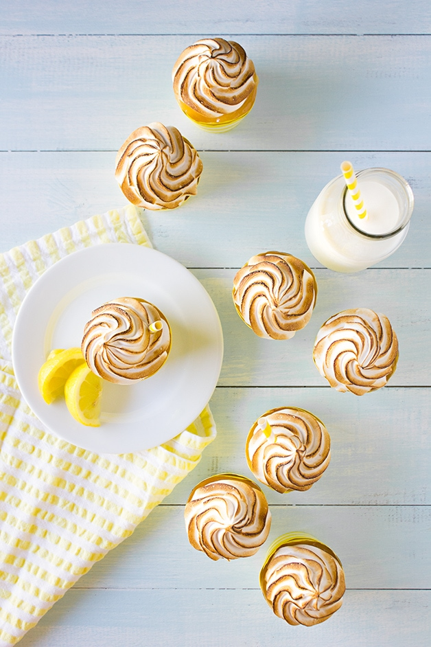 Lemon-Meringue-Pie-Cupcakes-3911