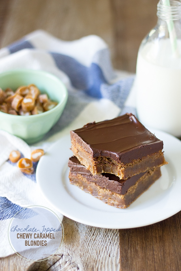 Chocolate-Topped Chewy Caramel Blondies | www.brighteyedbaker.com