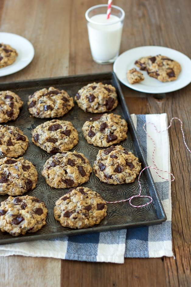 Your classic, soft & chewy oatmeal cookies, mixed with tangy dried cranberries and gooey pockets of chocolate chunks.