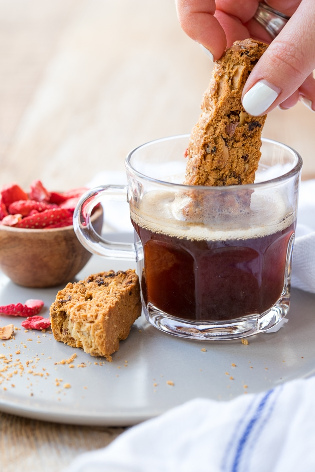 Toasty biscotti with a nutty almond flavor and bits of tangy freeze-dried strawberries, finished with a sprinkling of raw sugar for a sweet crunch. Gluten-free, dairy-free, and refined-sugar-free!